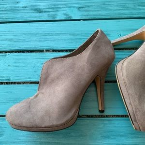 Apt 9 Apedith Gray Booties